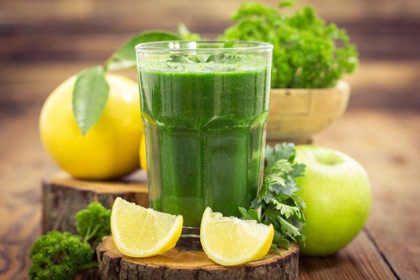 Jus vert avec fruits et légumes | Recette Santé OfficeMed